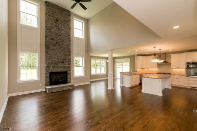 Raritan Twp. Single Family Home For Sale: 15 Robin Hill Way
