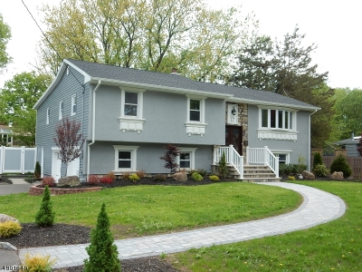Clark Twp. Single Family Home For Sale: 17 Largo Ln