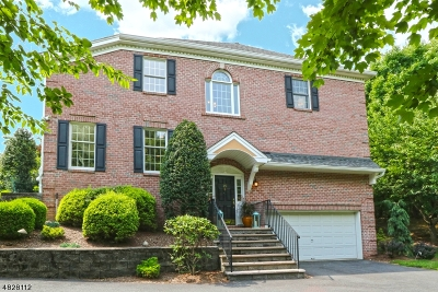 Wayne Twp. Condo/Townhouse For Sale: 95 Spring Hill Cir