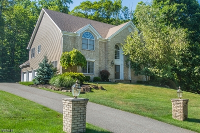 Denville Twp. Single Family Home For Sale: 12 Rosewood Ln