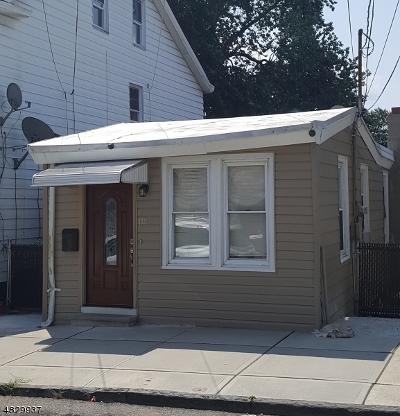 Paterson City Single Family Home For Sale: 120 Carlisle Ave