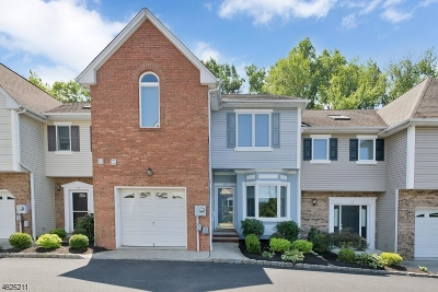 New Providence Condo/Townhouse For Sale: 63 Southgate Rd
