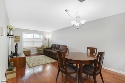 Roxbury Twp. Condo/Townhouse For Sale: 37 Loch Ln #37