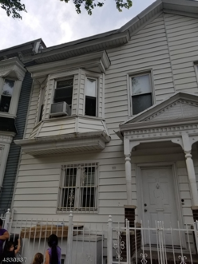 Newark City NJ Multi Family Home For Sale: $169,900
