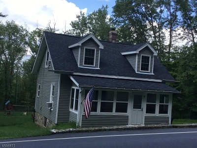 Califon Boro Single Family Home For Sale: 46 Academy St