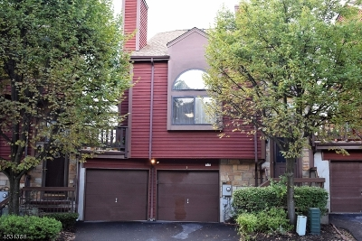 Morris County Condo/Townhouse For Sale: 5 Fox Hunt Dr