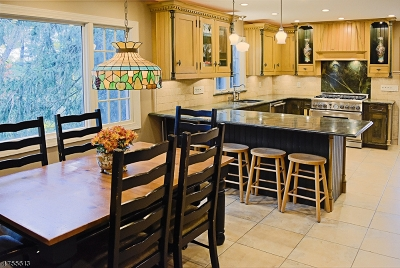 Mendham Boro, Mendham Twp. Single Family Home For Sale: 4 Colville Dr