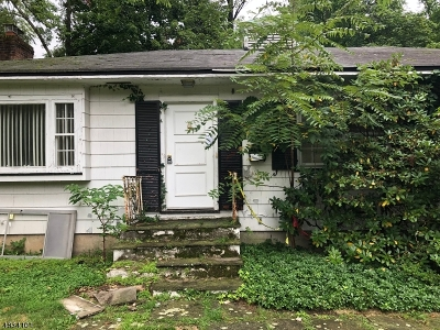 Single Family Home For Sale: 366 Old Short Hills Rd