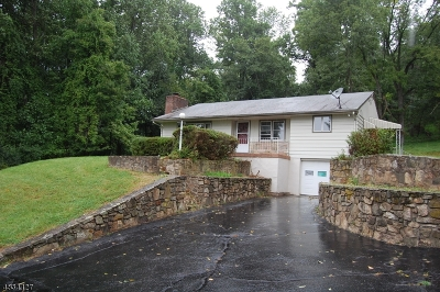 Alexandria Twp. Single Family Home For Sale: 136 Sweet Hollow Rd