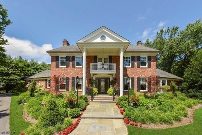 Franklin Lakes Boro Single Family Home For Sale: 367 Longbow Dr