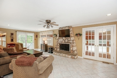 Basking Ridge Single Family Home For Sale: 282 Stonehouse Rd