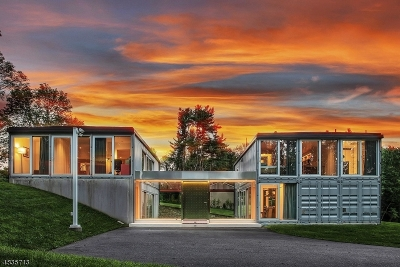 Tewksbury Twp. Single Family Home For Sale: 3 Linfield Ln