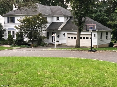 Mountainside Boro Single Family Home For Sale: 1437 Whippoorwill Way
