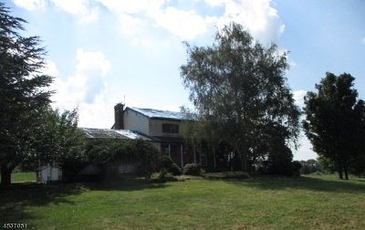 Hillsborough Twp. Single Family Home For Sale: 618 Montgomery Rd
