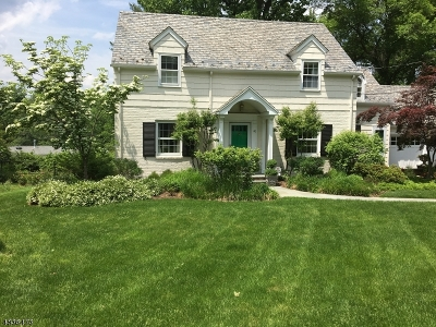 Millburn Twp. Single Family Home For Sale: 40 Colonial Way