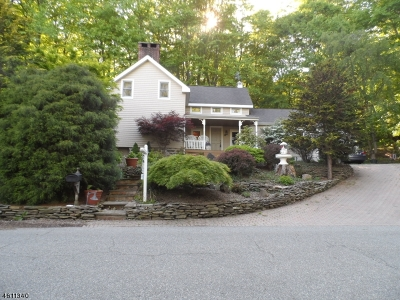 Montville Twp. NJ Single Family Home For Sale: $538,500