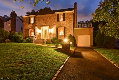 Single Family Home For Sale: 17 Exeter Rd