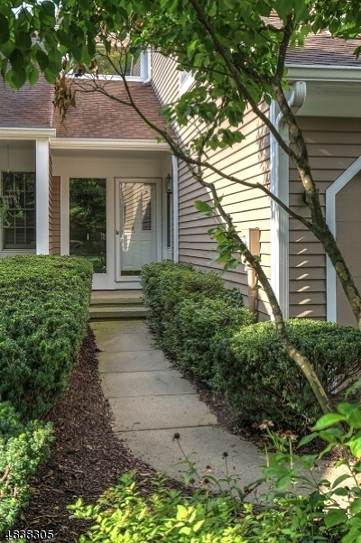 Bedminster Twp. Condo/Townhouse For Sale: 7 N Stone Edge Rd