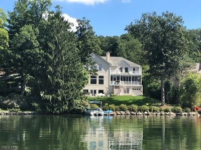 Wayne Twp. Single Family Home For Sale: 204 Pines Lake Dr