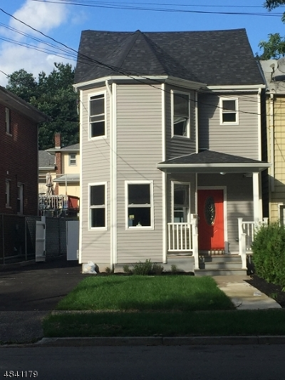 Belleville Twp. Single Family Home For Sale: 164 Mill St