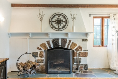 Single Family Home For Sale: 15 Barnsdale Rd