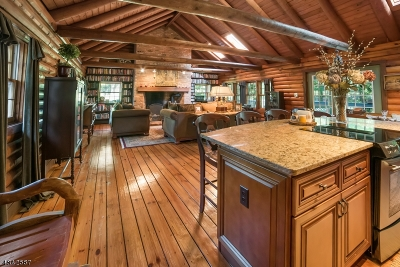 Delaware Twp. Single Family Home For Sale: 76 Bowne Station Rd