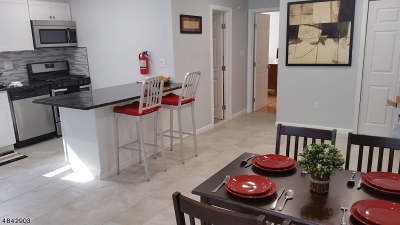 Elmora Hills Condo/Townhouse For Sale: 816-826 W Grand St #2B