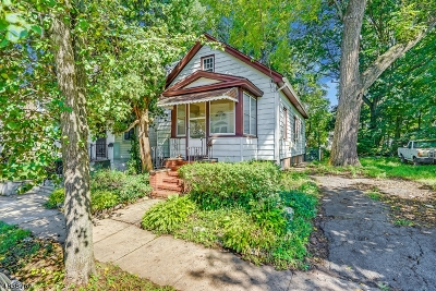 Union Twp. Single Family Home For Sale: 41 Maple Ave