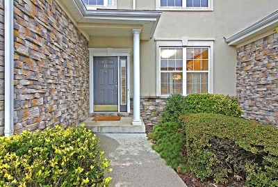 Readington Twp. Condo/Townhouse For Sale: 15 Fernwood Ct