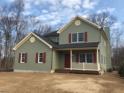 West Orange Twp. Single Family Home For Sale: 71 Colonial Woods Dr