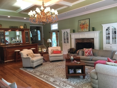 West Caldwell Twp. Single Family Home For Sale: 35 Bond Pl