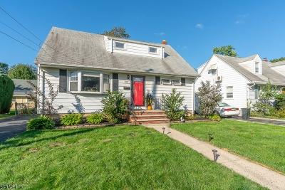 Cranford Twp. Single Family Home For Sale: 105 Colin Kelly Ct
