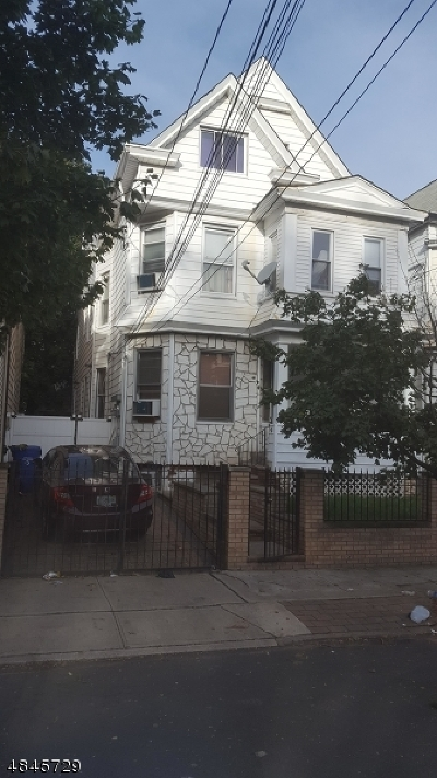 Paterson City Multi Family Home For Sale: 818-820 E 23rd St