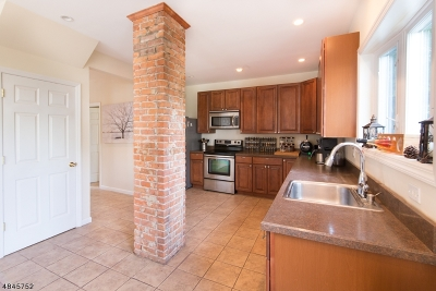 Morristown Single Family Home For Sale: 9 Thompson St