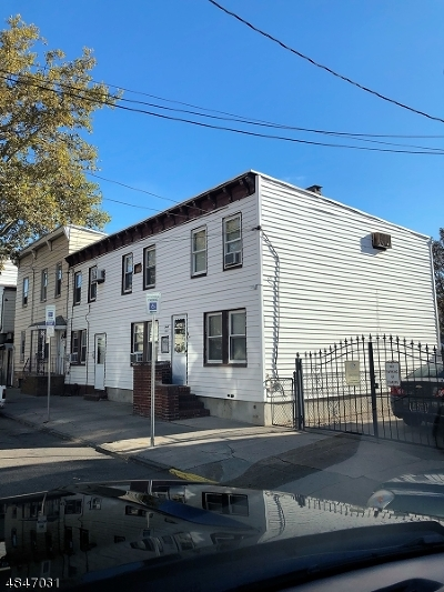 Ironbound Commercial For Sale: 42-44 Pulaski St #00