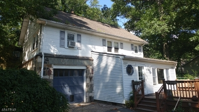 Single Family Home For Sale: 47 Maple Rd