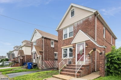 Paterson City Single Family Home For Sale: 670 E 30th St