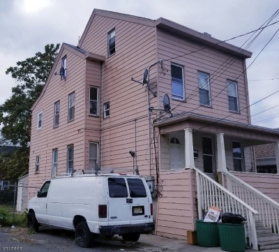 Paterson City Multi Family Home For Sale: 164-166 Pennsylvania Ave