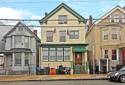 Newark City Multi Family Home For Sale: 24 Taylor St