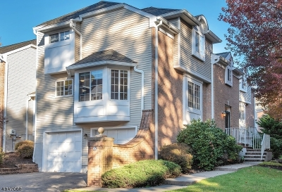 Long Hill Twp Condo/Townhouse For Sale: 55 Woods End