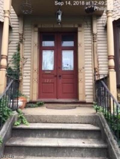 Warren County Single Family Home For Sale: 127 Washington St
