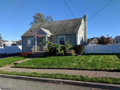Totowa Boro Single Family Home For Sale: 88 Elizabeth Pl
