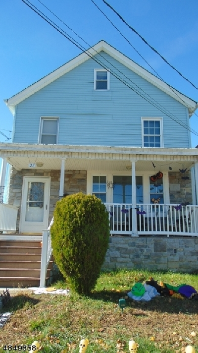 Dover Town Single Family Home For Sale: 27 Perry St