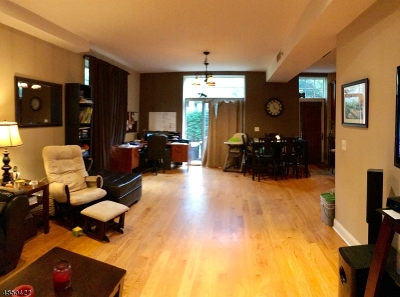 Bloomfield Twp. Condo/Townhouse For Sale