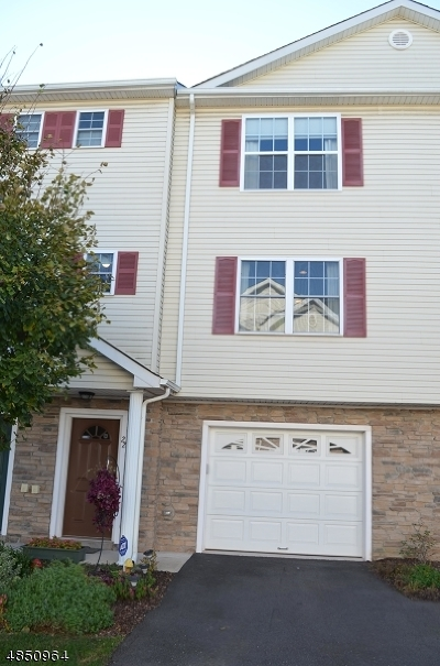 Franklin Twp. Condo/Townhouse For Sale: 22 Alerica Ln