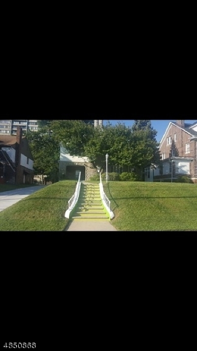 Passaic City Single Family Home For Sale: 165 Paulison Ave
