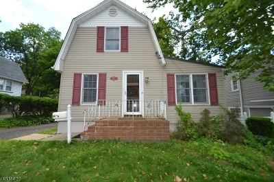 West Caldwell Twp. Single Family Home For Sale: 34 Woodrow Pl
