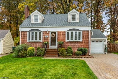 Clark Twp. Single Family Home For Sale: 73 Colonial Dr