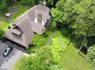 Bernards Twp., Bernardsville Boro Single Family Home For Sale: 201 Lloyd Rd