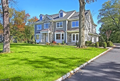 Bernards Twp., Bernardsville Boro Single Family Home For Sale: 23 Hill Top Rd